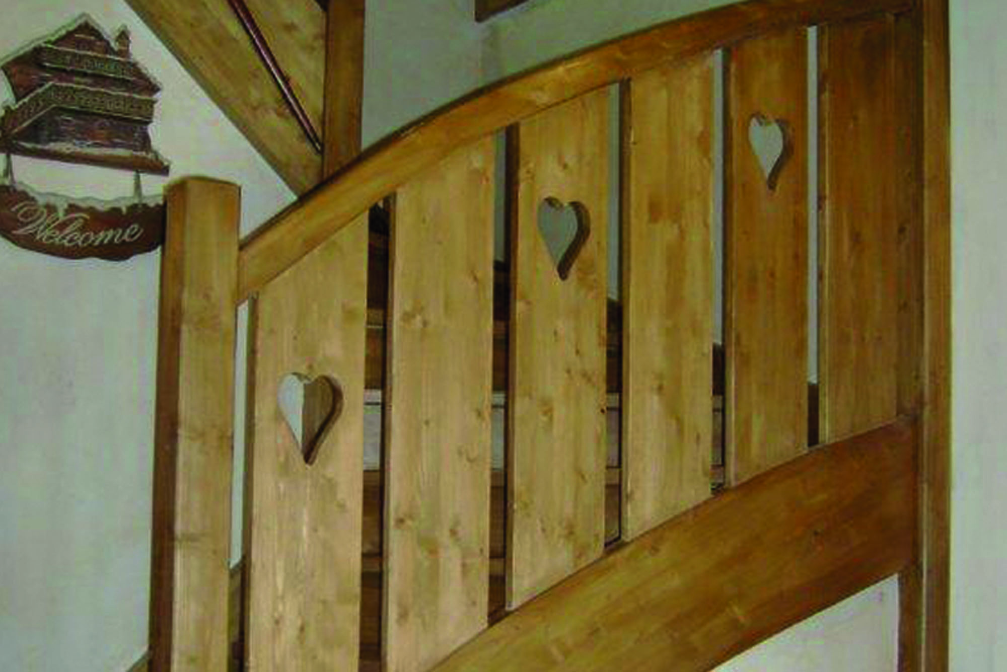 escalier bois rion bois. Black Bedroom Furniture Sets. Home Design Ideas