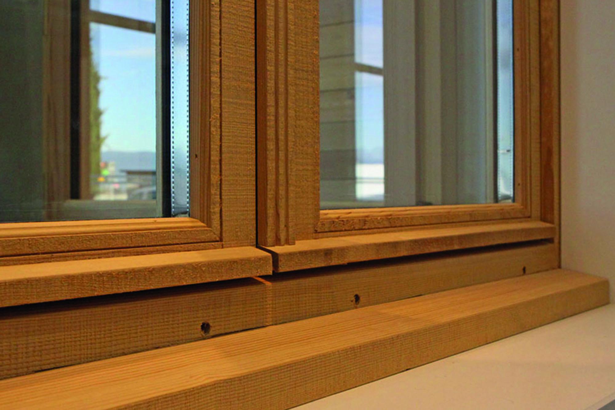 Menuiserie fenetre bois entreprise vignon pose et for Entreprise de fenetre